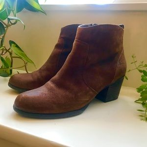 Franco Sarto Size 7 Nubuck Zip Ankle Boots